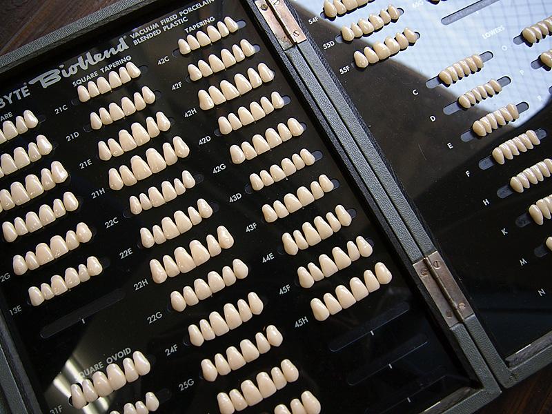 ドイツ製の義歯