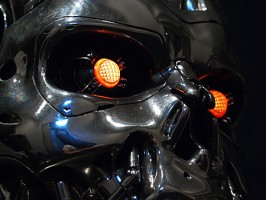 1:1 scale T-800 ENDOSKULL HOLLYWOOD COLLECTOR'S GALLERY