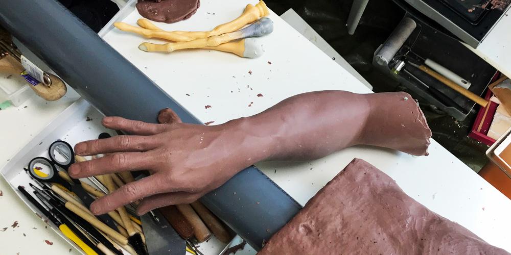 人体 粘土置換